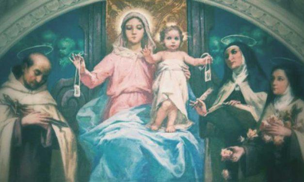 Maria e o seu Escapulário