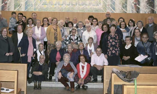 Amigos do Divino Reizinho: peregrinos de Elvas