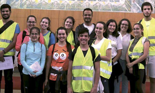 Amigos do Divino Reizinho: Jovens da Paróquia de Rio de Moinhos